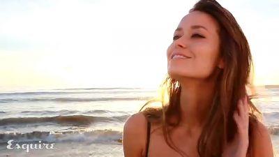 Summer Glau should win in FHM's 100 Sexiest Women in the World 2011