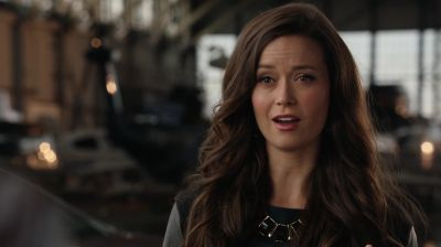 Summer Glau on 2x06 ' Keep Your Enemies Closer' HD Captures