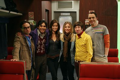 Johnny Galecki, Kumal Nayyar, Summer Glau, Kaley Cuoco, Simon Helberg & Jim Parsons on set of The Big Bang Theory