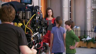 Summer Glau in Help for the Holidays - Behind the Scenes