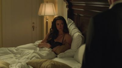 What is doing Oliver in Isabel Rochv's room?