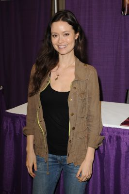 Summer Glau attends Comic Con at the Fort Lauderdale Convention Center on December 10, 2016