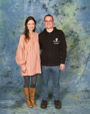 Summer Glau poses with fan at MCM Hannover Comic Con