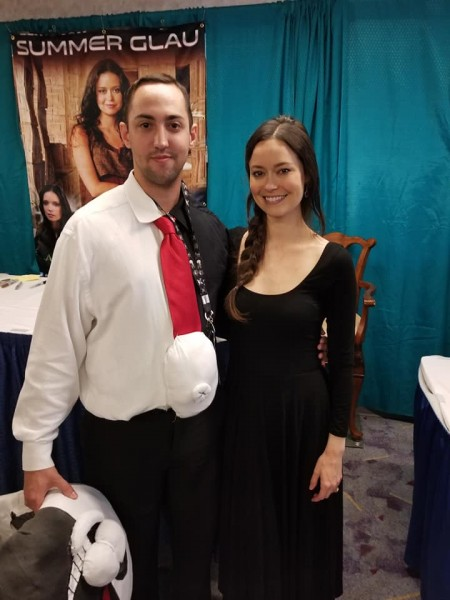 Summer Glau poses with fan at Pensacon 2019