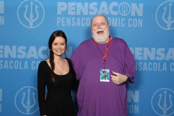 OH MY GOD! It's Summer Glau! With ME! DO YOU BELIEVE IN MIRACLES, folks? And unlike Kuthrapolli I got to talk to her!