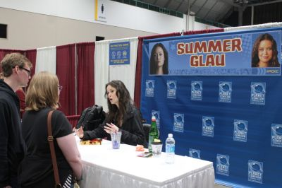 Firefly actress Summer Glau chats with fans while signing autographs at Planet Comicon.