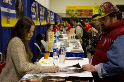 Summer Glau signs autographs for fans at Rhode Island Comic Con