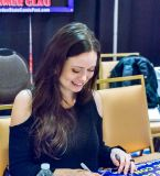 Summer Glau signs autographs at her Garden State Comic Fest!
