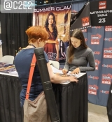 Summer Glau signing autographs at C2E2