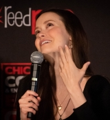 UHQ photos of Summer Glau from her C2E2 panel